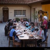 Cena nella corte Compagnie Rima e Daniel Pennac giugno 2012